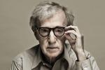 """Woody Allen compie 80 anni: """"Invecchiare non è per niente divertente"""""""
