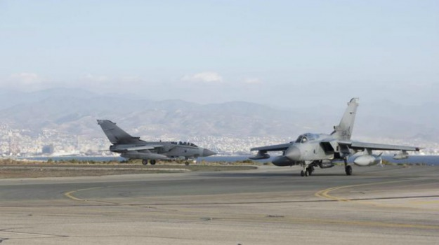 caccia bombardieri, Gran Bretagna, inglesi, Intelligence, Isis, Siria, terrorismo, Sicilia, Mondo