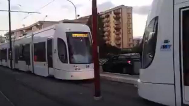 incidente, macchina, tram, Palermo, Cronaca