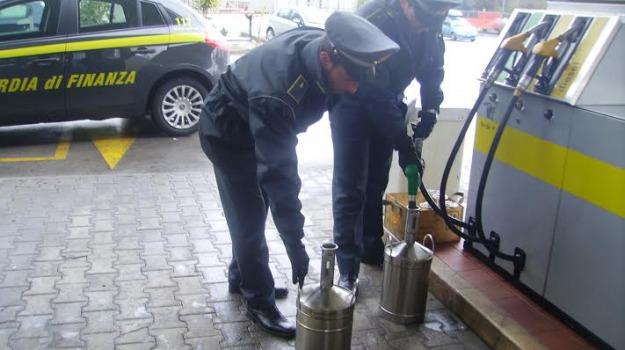 Palermo, benzina business della mafia: confiscato il tesoro dei Graviano, anche 3 distributori