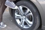 Trapani, raid notturno: bucate le gomme a trenta auto