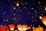 Ad Erice la «notte dei desideri», lanterne in volo