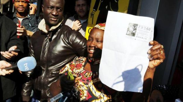 Lotteria, migranti, Sicilia, Mondo