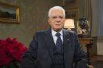 Il presidente Mattarella visita la tomba di Piersanti nel giorno dell'anniversario