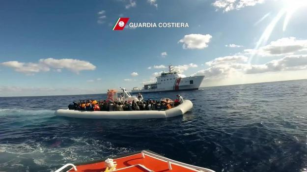immigrazione, migranti, sbarchi, Sicilia, Migranti e orrori
