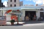 Fiamme in un negozio di bibite a Palermo - Video