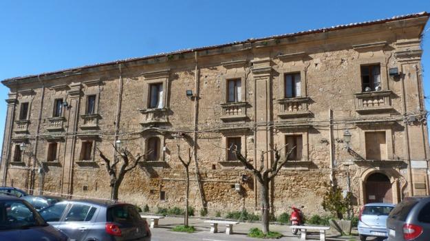 enna, Palazzo dei benedettini, Enna, Cronaca