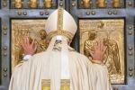 Si conclude il Giubileo della Misericordia, il Papa chiude la porta santa
