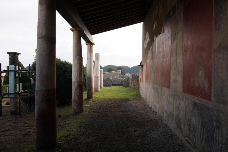 Pompei riaprono sei domus: cè anche una antica tintoria foto
