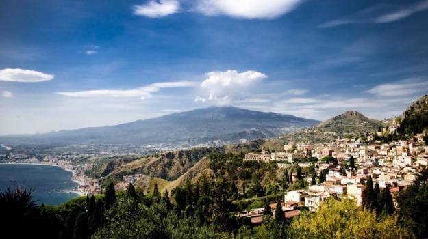 messina, rifiuti, taormina, Messina, Cronaca