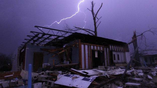 Maltempo, tornado, USA, Sicilia, Mondo