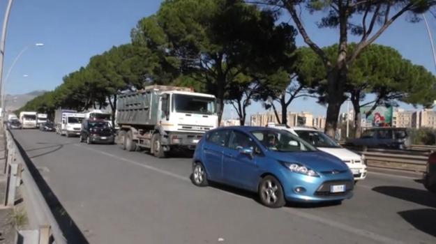 incidente viale regione, Palermo, Cronaca