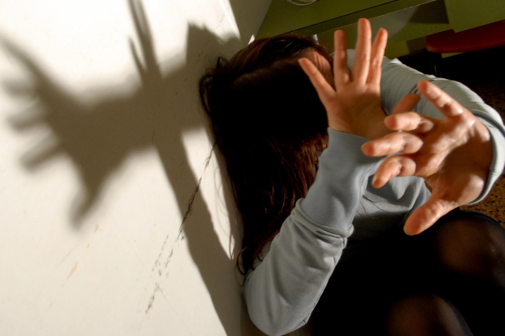 Risultati immagini per violenza sessuale su minori