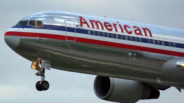 American Airlines, atterraggio, feriti, turbolenze, volo, Sicilia, Mondo