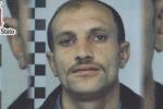 Antiterrorismo, arrestato rumeno con un coltello nella stampella: il video