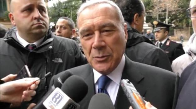 mafia, maxiprocesso, migranti, stragi, Sicilia, Oggi in edicola