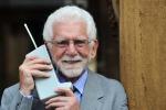 Addio a Motorola, il marchio che inventò il cellulare - Foto