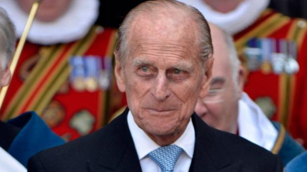 incidente, inghilterra, principe Filippo, Sicilia, Mondo