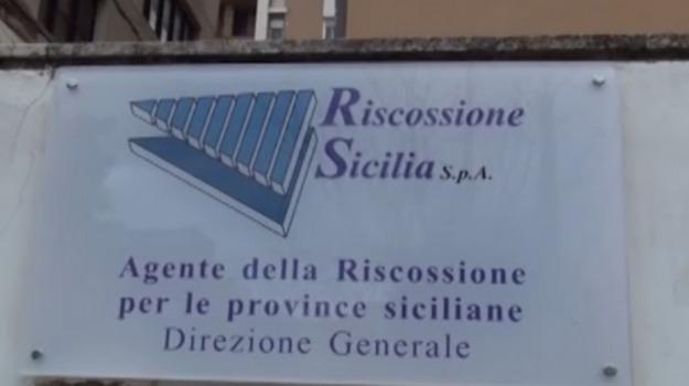 flasch mob, forza nuova, Riscossione sicilia, Catania, Politica