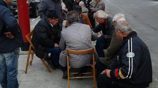anziani, rifiuti, trasporti, Palermo, Voci dalla città