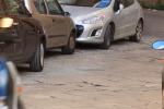 Un ordigno sotto l'auto del marito di Stefania Petyx: le immagini