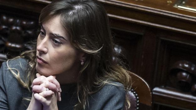 protesta, salvabanche, Maria Elena Boschi, Sicilia, Economia