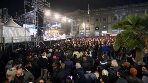 concerto di capodanno, sindaco, Gigi D'Alessio, Leoluca Orlando, Palermo, Politica