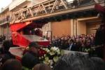 Vigile del fuoco ucciso a Vittoria, picchetto d'onore ai funerali