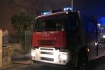 Palazzo in fiamme a Ficarazzi: paura ma nessun ferito - Video
