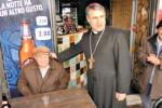 Il vescovo Lorefice a passeggio tra le bancarelle di Ballarò - Video