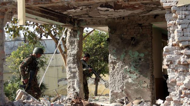attentato suicida, Pakistan, poliziotti, vittime, Sicilia, Mondo