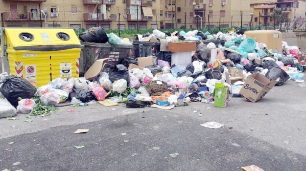 buche, marciapiedi, rifiuti, trasporti, Palermo, Cronaca