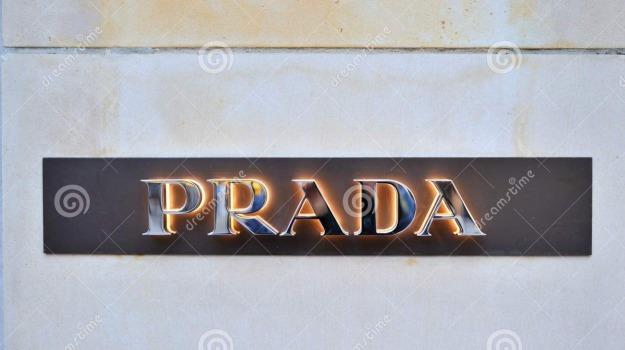 guardia di finanza, merce contraffatta, pordenone, prada, sito clonato, Sicilia, Cronaca