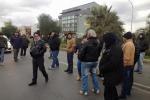 Gela gli operai Eni bloccano statale, proteste da 14 giorni