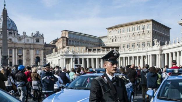 angelus, Città del Vaticano, giubileo, migranti, papa, rifugiati, san pietro, Sicilia, Cronaca