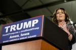 """Palin al fianco di Trump: """"Serve leader che prenda l'Isis a calci"""""""