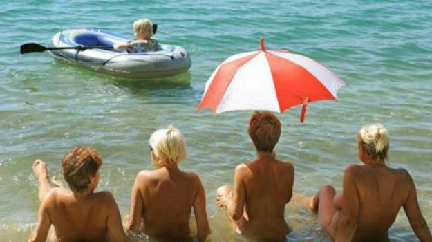 australia, giochi, spiaggia nudisti, Sicilia, Mondo