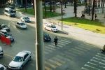 """Strisce pedonali """"pazze"""" al Politeama, a Palermo rischi per chi attraversa la strada"""