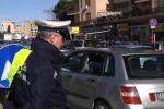 Palermo, incidente in viale Regione: auto finisce nella corsia opposta, traffico in tilt