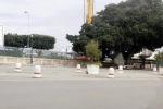 Palermo, sporchi gli spazi transennati di via Crispi. Rifiuti dopo il mercatino del Cep