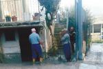 Vulcanelli, fango e acqua in casa a Paternò