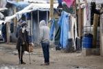 Migranti, al via lo sgombero: tensioni al confine della Grecia