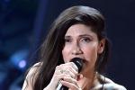 Elisa arriva sul palco dell'Ariston e la musica... decolla