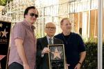 Brilla sulla Walk of Fame la stella di Ennio Morricone - Foto