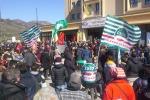 Punto nascita, sit-in a Petralia Sottana: è un nostro diritto vivere nelle aree interne