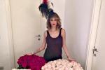 Melissa Satta, per i suoi 30 anni... 300 rose: le foto