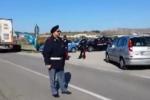 Raffineria di Gela, operai bloccano la statale
