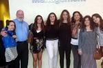 Nella foto da sinistra Giulia Bellante, il professore della FIU Daniel Cormany, Lara Riggio, Rachele Rallo, Adele Piazza, Martina Sciarrotta, Carla Spampinato, Alessandra Catanese