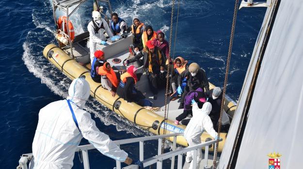 immigrazione canale di sicilia, migranti porto pozzallo, siem pilot, Ragusa, Migranti e orrori