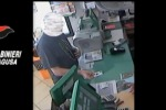 Card ricaricabili, truffa a Ragusa: 4 arresti